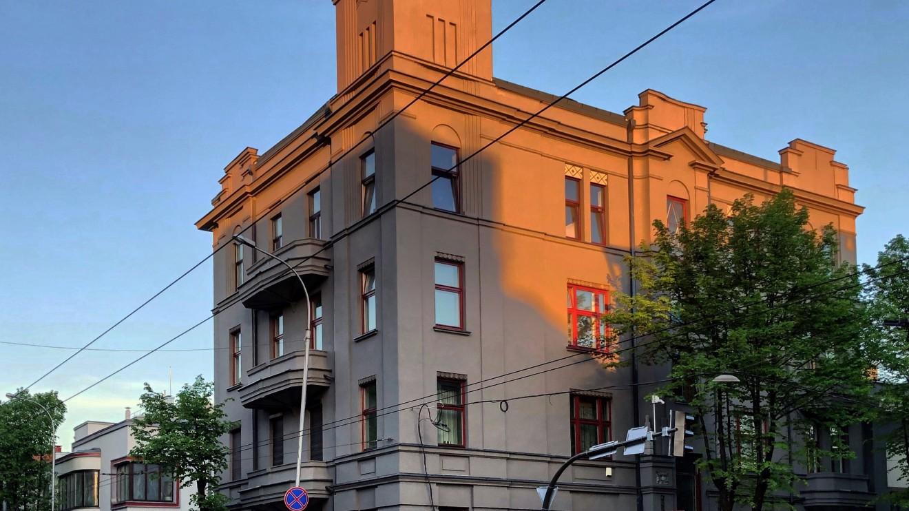 Prano Gudavičiaus nuomojamas daugiabutis 1929 m. Gediimino g. 48 Architektas: E. Frykas.