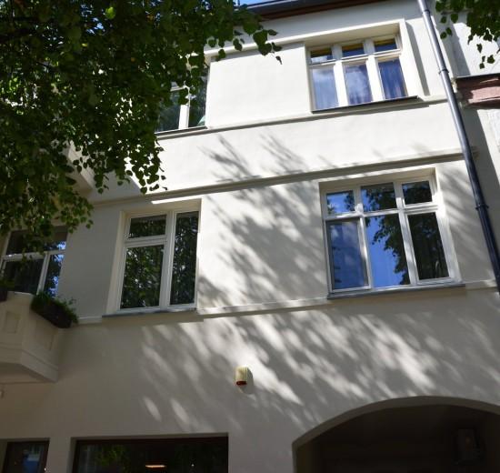 Šį Vilniaus gatvėje esantį namą prižiūri Kauno centro būstas.