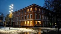 Laisvės al. 28 daugiabučio namo gyventojai žiemos švenčių sulaukė atnaujintame name.